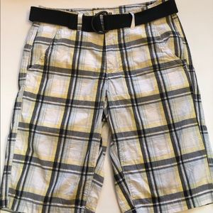 Urban pipeline belted cargo shorts size 29